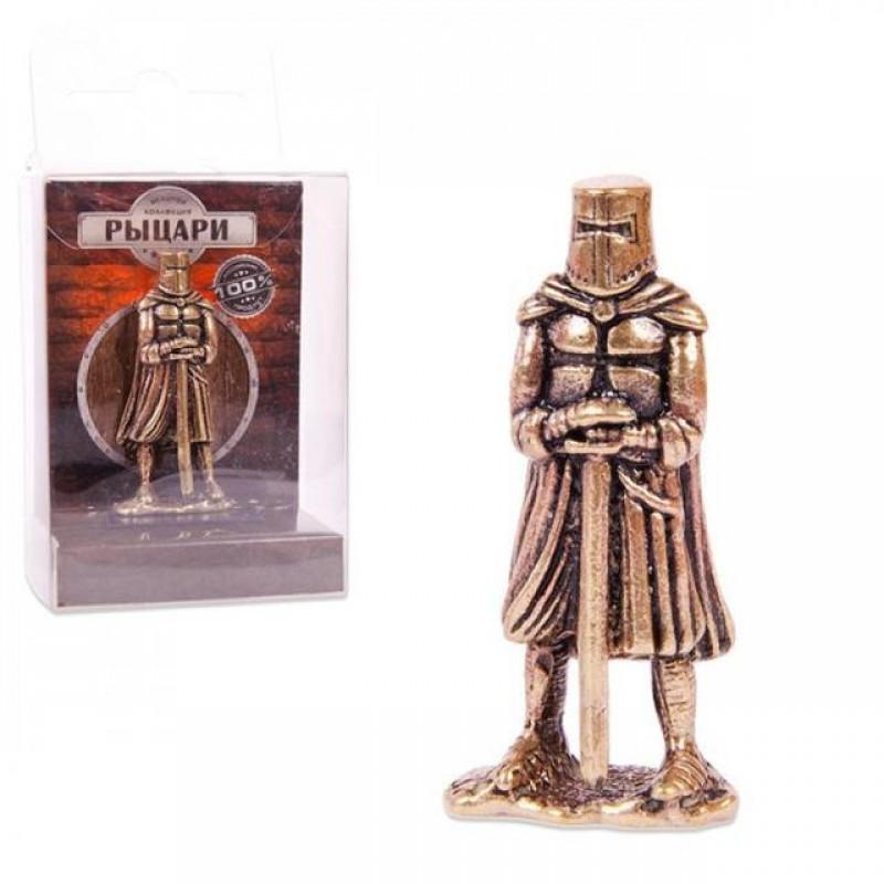 150303 Фигурка из бронзы литая Телохранитель с двуручным мечом, 1:32,  4.5cm [CRU-02]